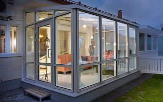 Остекление веранды безрамное, мягкие, гибкие и раздвижные окна, видео