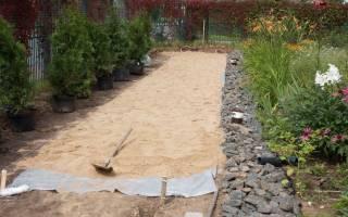 Как правильно сделать газон на участке, заросшем сорняками