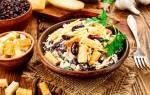 Салат с фасолью и сухариками в тандеме с другими ингредиентами