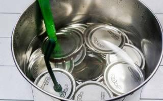 Как стерилизовать крышки для закатки с резинкой и винтовые, нужно ли стерилизовать, видео
